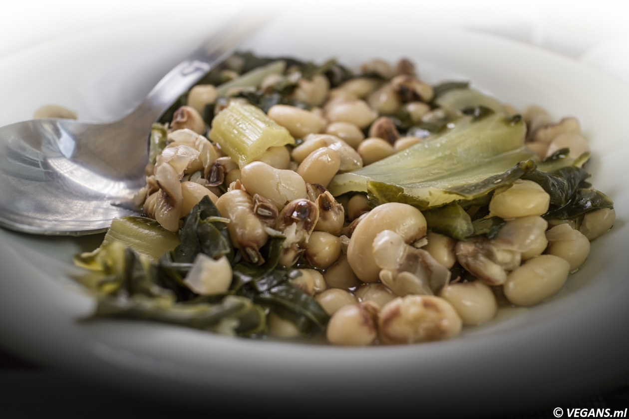 Cypriot vegan stew of Black-eyed beans with chard, lemon and olive oil