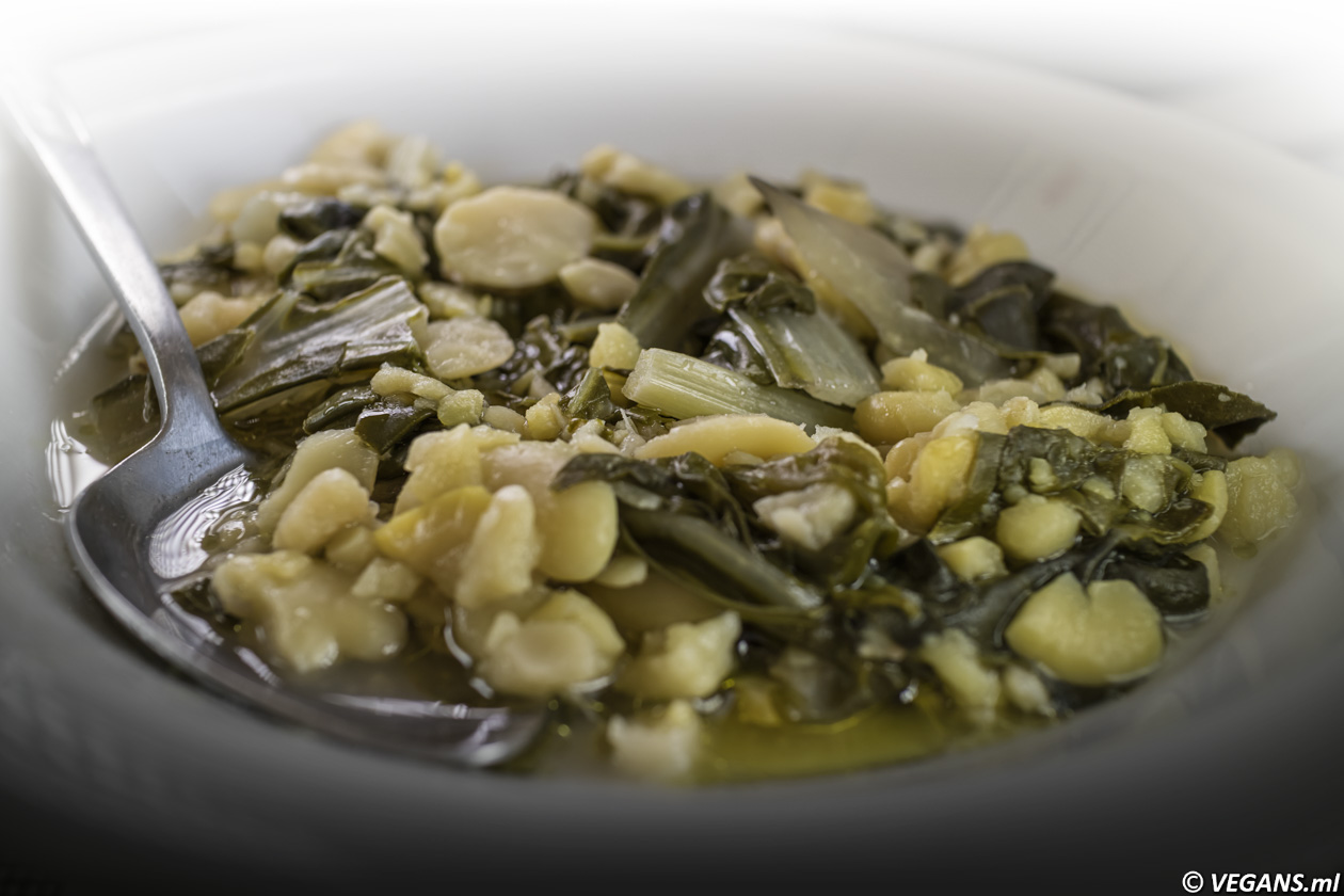Cypriot vegan stew of Lima Beans with vinegar, olive oil.